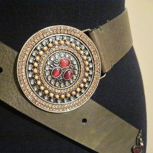 """CHICOS BOHO olive green leather belt/29.5"""" - 33.5"""""""